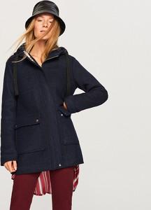 Granatowa kurtka Reserved z wełny