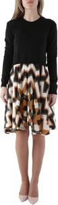 Sukienka Olivia Hops mini w stylu casual z okrągłym dekoltem