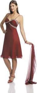Czerwona sukienka Fokus rozkloszowana midi