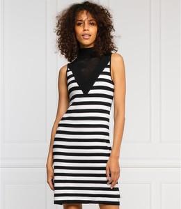 Sukienka Guess w stylu casual z okrągłym dekoltem