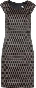 Sukienka bonprix bpc selection dopasowana z okrągłym dekoltem w geometryczne wzory