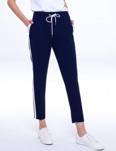 Granatowe spodnie L'AF z tkaniny w sportowym stylu