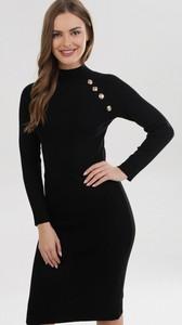 Czarna sukienka born2be z długim rękawem