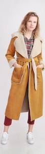Brązowy płaszcz Selaya w stylu casual
