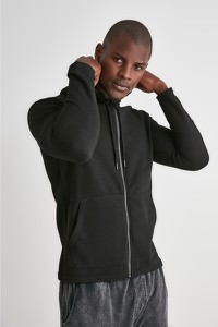 Czarny sweter Trendyol