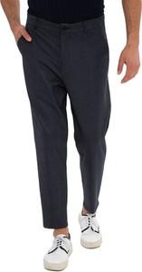 Czarne spodnie RNT23
