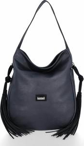 Czarna torebka Conci w stylu casual duża z frędzlami