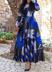 Niebieska sukienka Arilook z dekoltem w kształcie litery v maxi