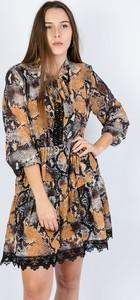 Sukienka Olika z dekoltem w kształcie litery v z długim rękawem