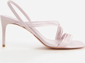 Fioletowe sandały Reserved