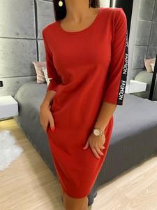 Czerwona sukienka ModnaKiecka.pl sportowa midi
