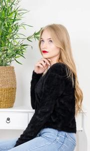 Czarny sweter Olika w stylu casual
