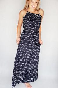 Sukienka Endoftheday maxi z okrągłym dekoltem w stylu casual