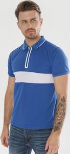 T-shirt born2be w stylu casual z krótkim rękawem