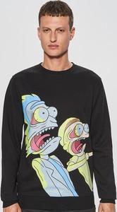 Czarna bluza Cropp w młodzieżowym stylu