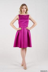 Różowa sukienka Rokado bez rękawów z dekoltem na plecach z satyny