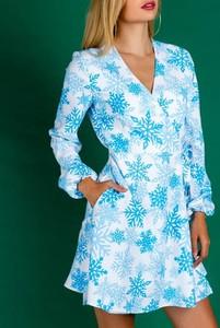 Sukienka Kendallme z dekoltem w kształcie litery v w bożonarodzeniowy wzór