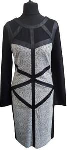 Sukienka Con Duo z długim rękawem z tiulu