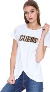 T-shirt Guess z okrągłym dekoltem z krótkim rękawem w młodzieżowym stylu