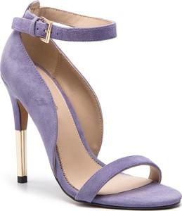 b687bd5462099 Niebieskie sandały Guess by Marciano na średnim obcasie z klamrami