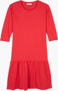 Czerwona sukienka Gate z długim rękawem mini w stylu casual