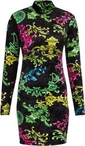 Sukienka Versace Jeans z golfem z długim rękawem w stylu casual