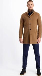 Brązowy płaszcz męski Lavard