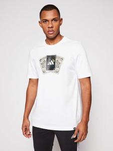 T-shirt Adidas w młodzieżowym stylu