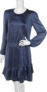 Sukienka Mohito w stylu casual rozkloszowana z długim rękawem