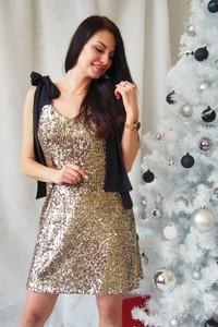 Sukienka butik-choice.pl z krótkim rękawem z tiulu z dekoltem w kształcie litery v