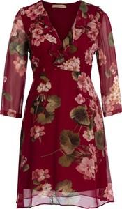 Czerwona sukienka Twinset w stylu casual z dekoltem w kształcie litery v