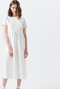 Sukienka Cropp midi z krótkim rękawem