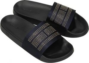Czarne klapki Tommy Hilfiger w stylu casual z płaską podeszwą