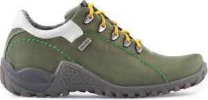Buty sportowe NIK sznurowane z płaską podeszwą