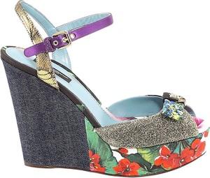 Sandały Dolce & Gabbana z klamrami na koturnie