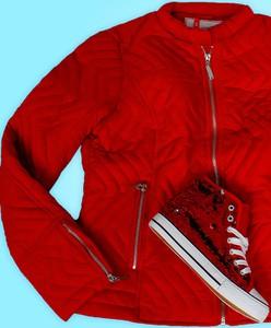 Czerwona kurtka modoline