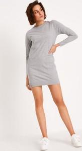 Sukienka Diverse w stylu casual z długim rękawem z bawełny