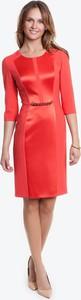 Czerwona sukienka POTIS & VERSO wyszczuplająca z długim rękawem z tkaniny
