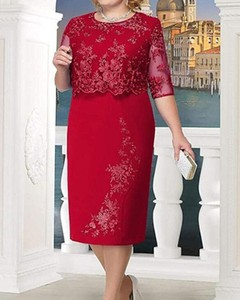 Czerwona sukienka Kendallme z okrągłym dekoltem midi z długim rękawem