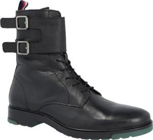 Buty zimowe Tommy Hilfiger w militarnym stylu