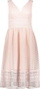 Różowa sukienka Naf naf mini rozkloszowana