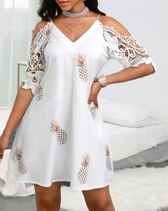 Sukienka Kendallme z dekoltem w kształcie litery v