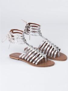 Sandały Chattawak w stylu casual z płaską podeszwą