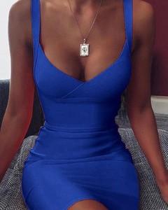 Sukienka Kendallme mini na ramiączkach z dekoltem w kształcie litery v