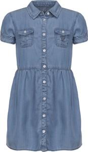 Niebieska sukienka dziewczęca Guess z jeansu