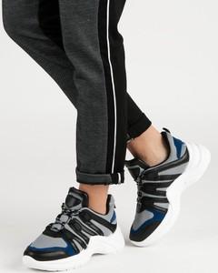 Buty sportowe Czasnabuty z płaską podeszwą w sportowym stylu