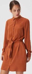 Pomarańczowa sukienka Sinsay z długim rękawem mini szmizjerka