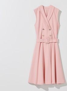 Różowa sukienka Mohito bez rękawów rozkloszowana