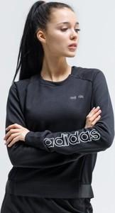 Czarna bluza Adidas krótka w sportowym stylu