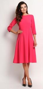Różowa sukienka Awama midi